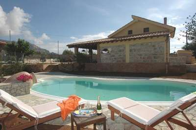 Beautiful independent Siciliana villa with private swimming-pool situated north-west of Sicily,: www.villas-italy.it/property/siciliana