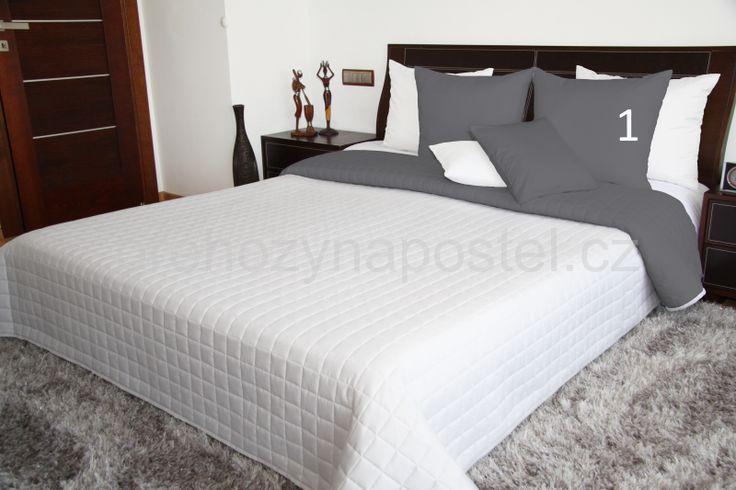 Dekorativní bílý oboustranný přehoz na manželskou postel