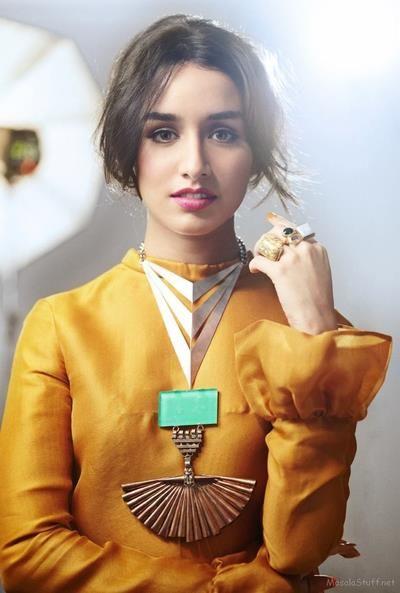 Shraddha Kapoor wears a Suhani Pittie neckpiece