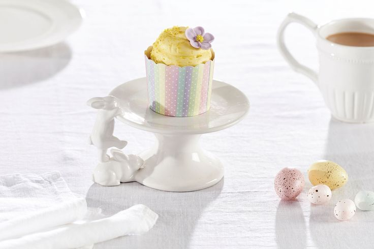 EASTER MINI CAKE PLATE WITH CLIMBING BUNNIES