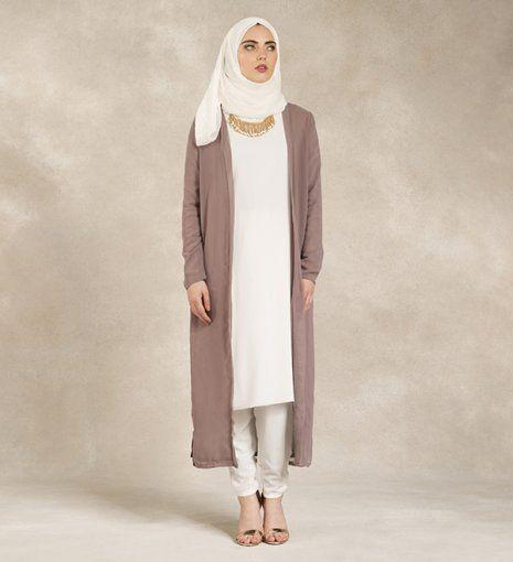 Style simple, minimaliste , pudique et très très joli à mes yeux <3 #Hijab #Inayah
