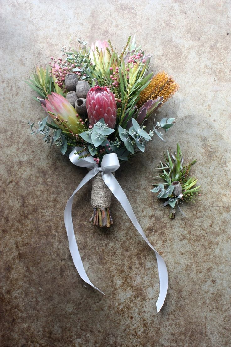 Some people plan their weddings months, even years in advance. This autumn I did some flowers for a wedding planned in only a few we...