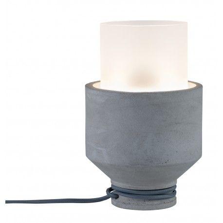 PAULMANN 79619 - Lampe à poser NEORDIC HELINen bétonpar Paulmann :  Paulmann vous présente la lampe à poser NEORDIC HELINde style scandinave pour un éclairage d'appoint adapté à tous les styles de décoration intérieurs. La lampe s'associe aisément aux différentes séries NEORDIC si vous souhaitez diversifier vos lampes ! Ampoule non incluse Puissance max : 20W Tension d'alimentation : 230V Matériaux: béton,verre Garantie : 5 ans