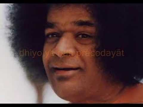 Sathya Sai Baba chanting the Gayatri. This is one of the super mantras. You chant or write out or listen to or otherwise concentrate on any of the super mantras and it totally handles every problem and manifests all your dreams to come true. These are mega mantras and this is one of them.