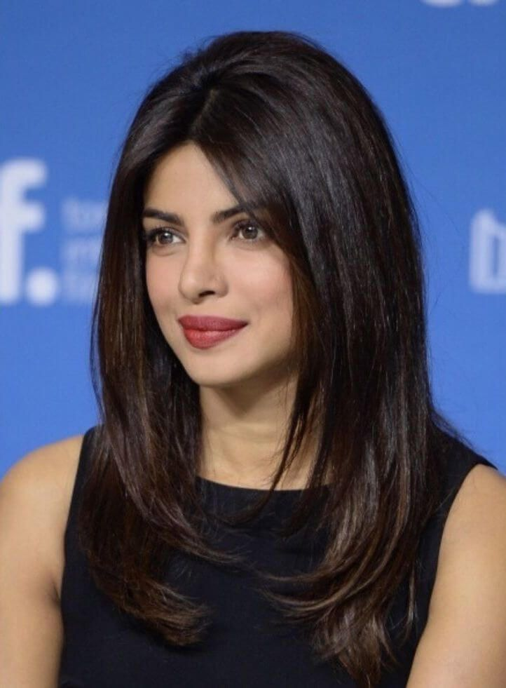 Top 10 Hairstyle To Hide Big Forehead Raise Your Style Quotient Priyanka Chopra Haircut Priyanka Chopra Hair Medium Hair Styles