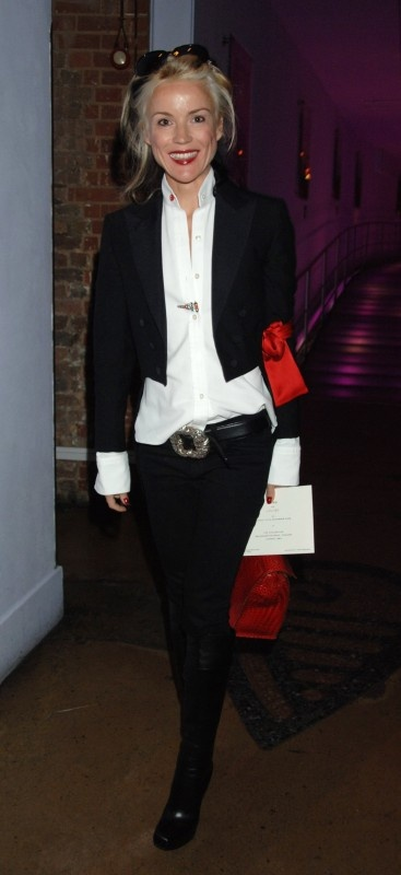 Daphne Guinness, she came to The screening of Lawless Heart in New York that Bill Nighy and Tom Hollender had organised, she was Tom's girlfriend at the time .. what a doll .. super gorgeous , the Mercer Hotel party .. rahhh
