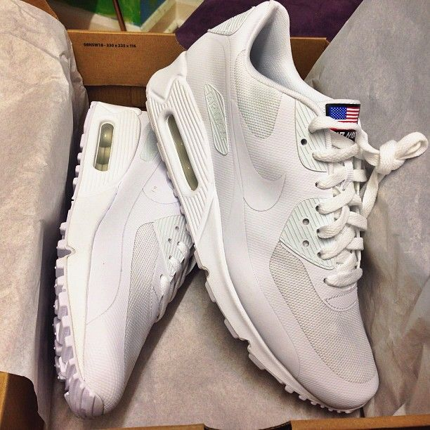 What do you think of these all white Nike air Max hyperfuse? I like them! #sneakers