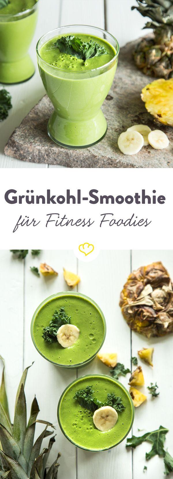 Mach deinen Smoothie zum grünen Powershake: mit Grünkohl, Ananas, Erdnussbutter und Joghurt füllt er die Energiespeicher mit einem Schluck wieder auf.