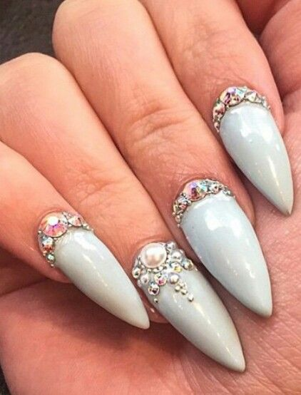Nails with rhinestones on one finger