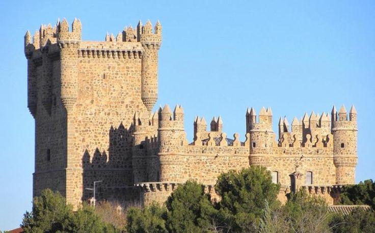 Castillo de Guadamur, provincia de Toledo - Construido por Pedro López de Ayala, Conde de Fuensalida