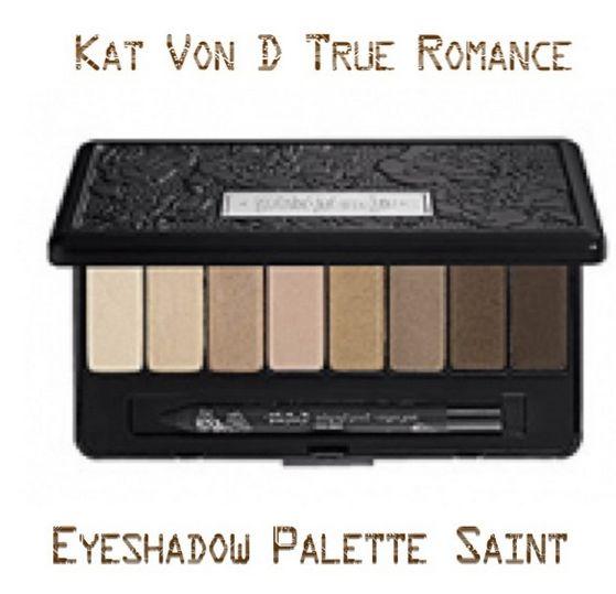A paleta de sombras Kat Von D True Romance Eyeshadow Palette-Saint é compacta e elegante, tem cores incríveis, neutras, que se inspiram na arte da tatuagem. Você encontra na American Beauty Store. Corre lá!