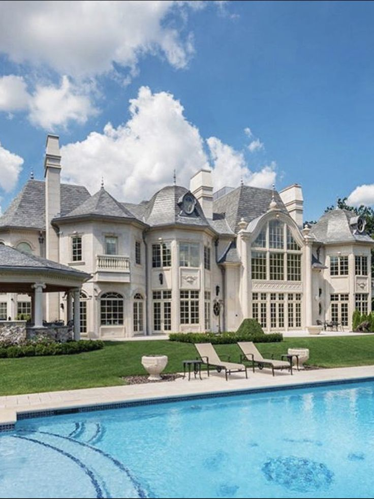 998 best dream homes images on pinterest for Luxury mansion builders