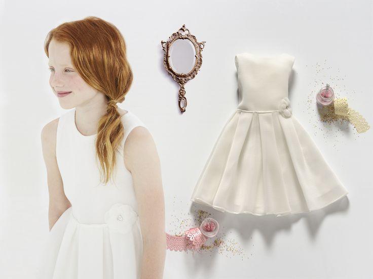 Come moderne principesse #Abbigliamentobambina, vestiti bambina, vestiti #cerimonia, abiti cerimonia bambini, #vestitino bambina #cerimonia #cerimoniabimbi#abbigliamentowww.elsyspa.com/...