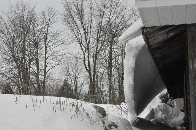 Snow ledge