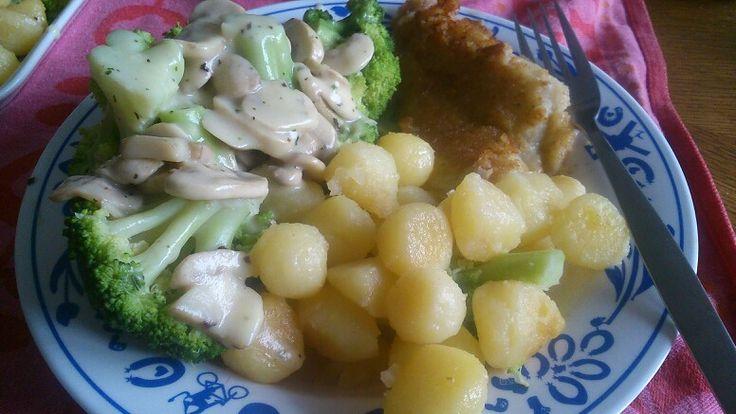 Broccoli met champignonsaus kabeljouw parijse aardappeltjes
