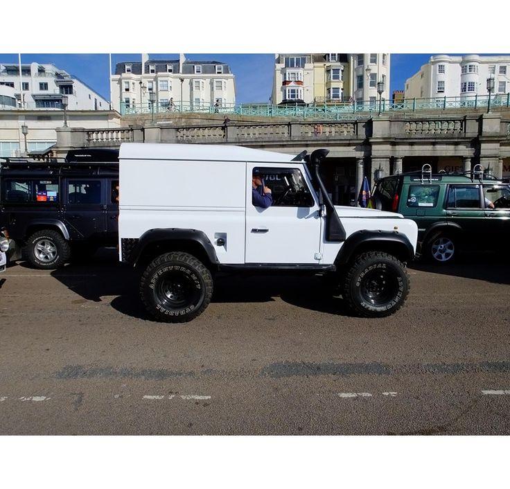 LAND ROVER DEFENDER 90 for sale, £7,995 - http://www.lro.com/detail/cars/4x4s/land-rover/defender-90/92170