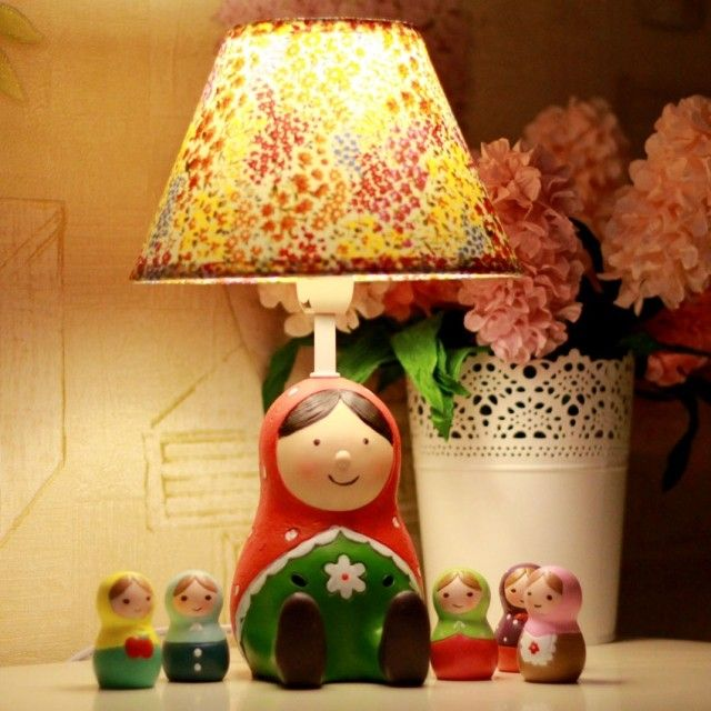 Aliexpress.com da dan deki Matryoshka bebek reçine kumaş başucu lambası masa lambası dekorasyon lamba