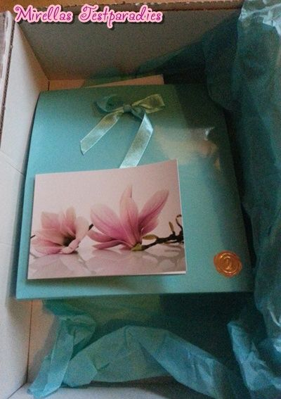 Ich wählte noch eine gratis Geschenkverpackung sowie eine Geschenkkarte zu meiner Bestellung bei Douglas.