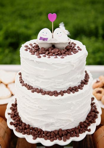 Una tarta sencilla y muy tierna! Via blog.fiestafacil.com / An adorable wedding cake! Via blog.fiestafacil.com