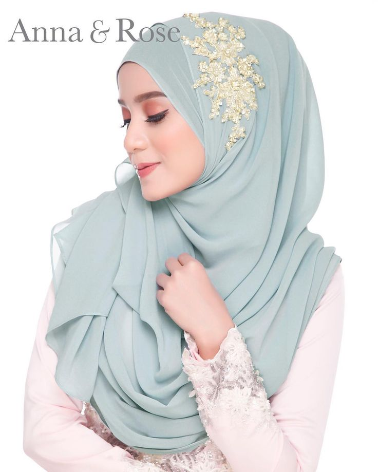"187 Likes, 4 Comments - #hanabellabest (@hanabellagroup) on Instagram: ""From @hanabellashawl . Ada yang dah grab Jane Instant Shawl steel grey gold lace? Siapa yang belum…"""