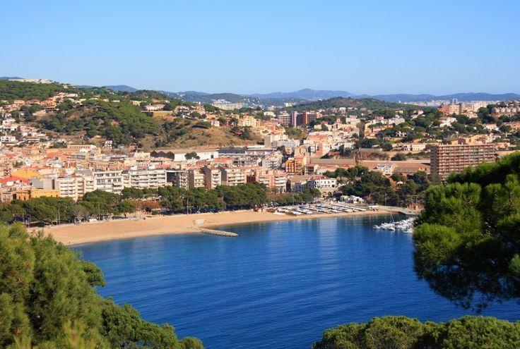#SantFeliuDeGuíxols está rodeada de bosques, en el centro de la #CostaBrava http://www.viajarabarcelona.org/ciudades-cercanas/costa-brava/ #turismo #Catalunya