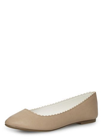 Nude scallop edge flat pumps