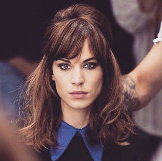 How is this amount of beauty real? Alexa Chung people
