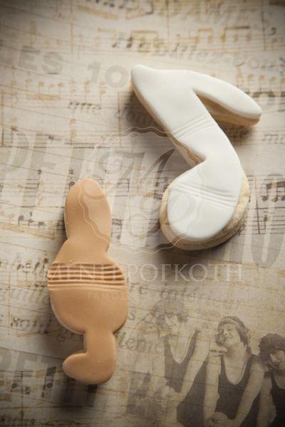 Μπισκότο βάπτισης βουτύρου σε σχέδιο μουσικές νότες