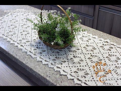 Caminho de Mesa em Croche Aranha - Aprendendo Crochê - YouTube                                                                                                                                                                                 Mais
