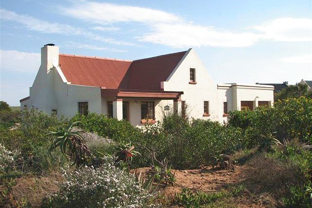 Gone Fishing a natuur lovers destination Boggomsbaai 4 Bedrooms Large indoor fireplace Book Online