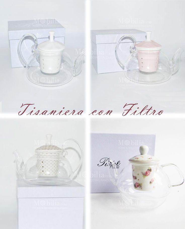 Tisaniera con Filtro Bomboniera  disponibile in quattro fantastici colori: bianca, rosa, bianca con pois tortora e bianca con rose decorate. Scopri le eccezionali promozioni su Mobilia Store.