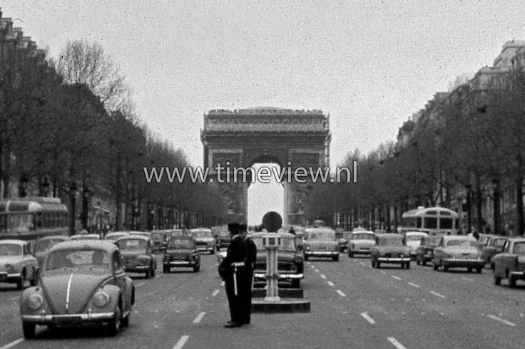 T018. Champs Elysees 1965
