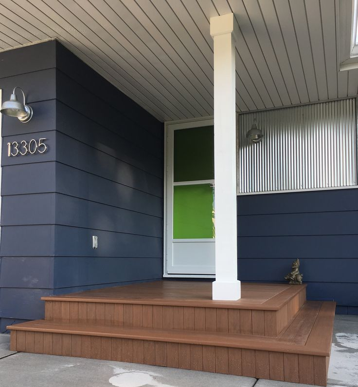 Ottawa Painting Soffits Fascia Aluminum Wood Exterior House: Modern House Front With Galvanized Corrugated Metal Siding