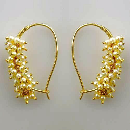 pearl earrings - love the simplicity