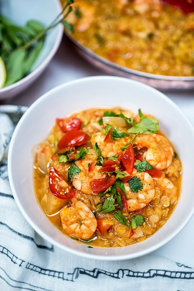 One-pot Prawn Dhansak - low-carb, filling and delicious. Recipe on Supergolden Bakes