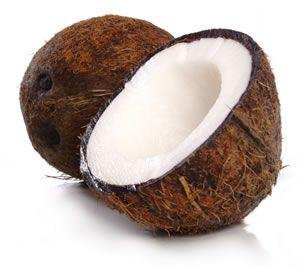 DECO ■ La décoration peut être enrichie avec des noix de coco, surtout si des pina colada sont servies lors des cocktails
