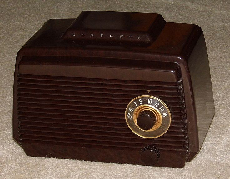 Plastic Measuring Tubes For Electronic Devices : Vintage sylvania plastic am table radio model w