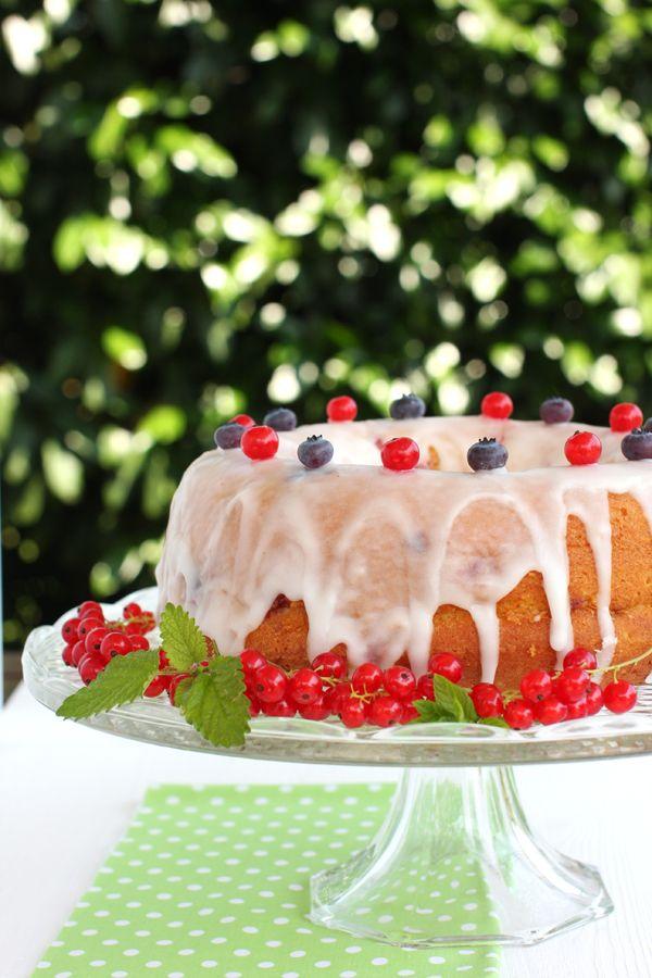 gâteau aux baies  -  berry bundt cake