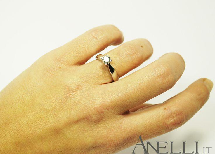 Anello solitario con Diamante di 0.45 carati colore G purezza IF - www.anelli.it - info@anelli.it - +390637515305 #fidanzarsi #gioielliitaliani #anellimatrimonio http://www.anelli.it/it/anelli-solitario/solitario-con-diamante-0-45-carati-colore-g-purezza-if.html