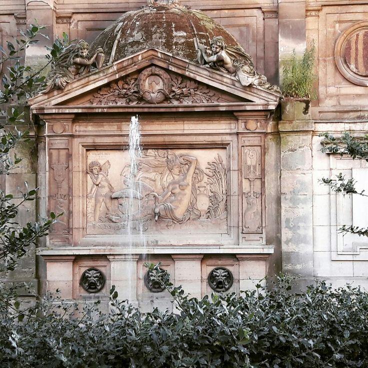 Arrière de la fontaine Medicis