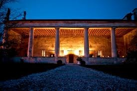 #Villa #Sesso #Schiavo - Sandrigo (VI) #Italy.  The unusual and imposing portico has an access from the public way by means of a portal in terracotta and shingles from the nearby river Astico. This is very similar to the portals (credited to #Palladio) found in the 'via della Racchetta' street in Vicenza. The gallery is covered with frescoes representing allegories, historical and mythological triumphs, and celebrations of family history.