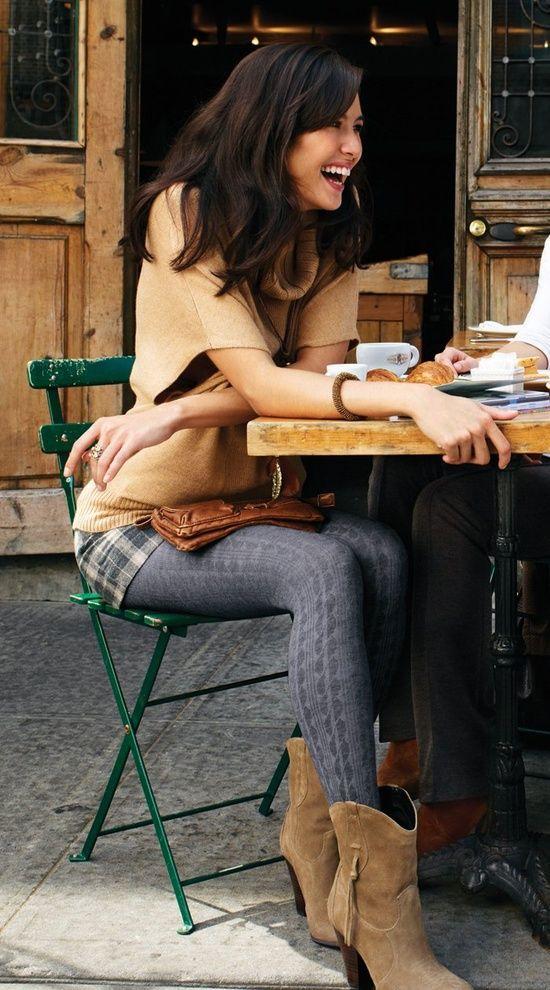 Outfit grijze maillot, bruine schoenen, geruit rokje/broekje, bruin truitje