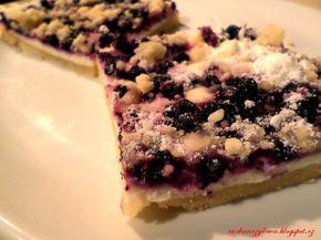 Čučoriedkový koláč s tvarohovou plnkou za pár minút, ktorý si celá rodina zamiluje! | Chillin.sk