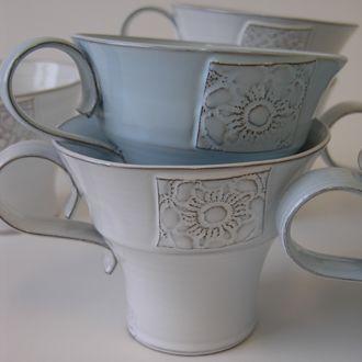 Min finaste   Tekopp  är tillverkad av Nina Pärnerteg      Den  dricker jag te ur nästan varje dag!   Har samlat på mig några stycken under...