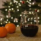Zelf glühwein maken  Een feestelijke warme drank voor koude winteravonden http://allrecipes.nl/recept/1930/gl-hwein.aspx