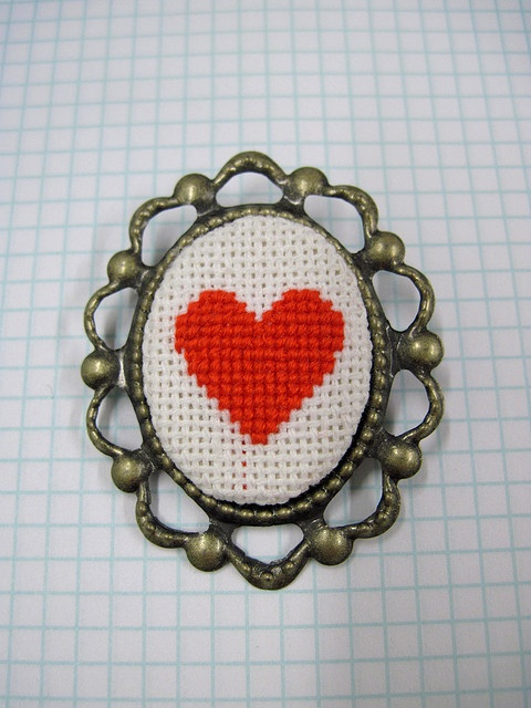 Cross Stitch Heart by Pin Pals, via Flickr
