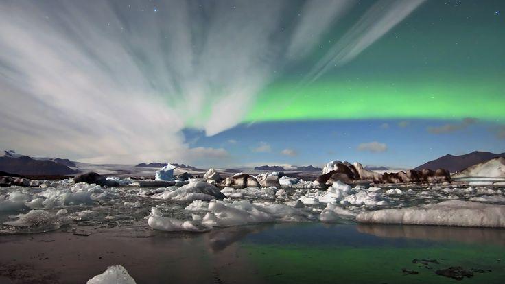 Reis naar IJsland voor magische natuur, prachtige landschappen, warmwaterbronnen als Blue Lagoon, Gletsjers en natuurlijk het Noorderlicht.