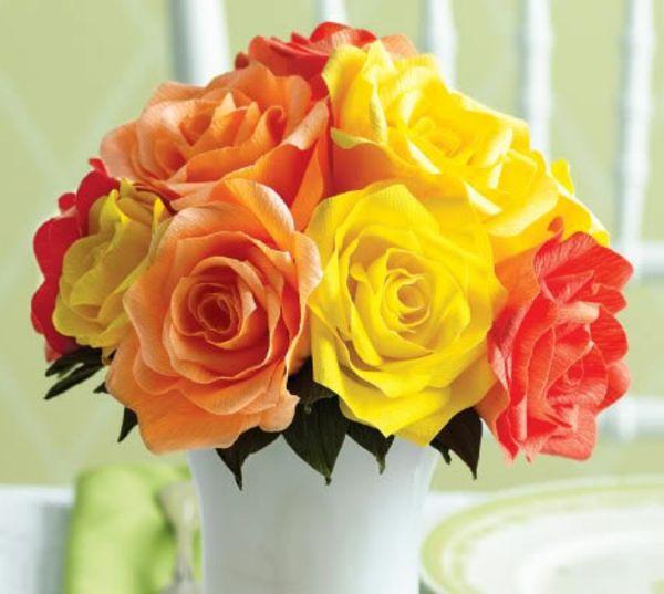 Fleur en papier crepon bouquet de roses jaunes et rouges for Bouquet de fleurs jaunes