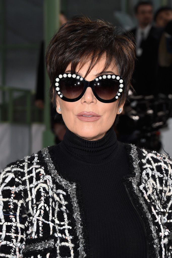 Kris Jenner looked young and chic with her layered razor cut at the Chanel Couture show.