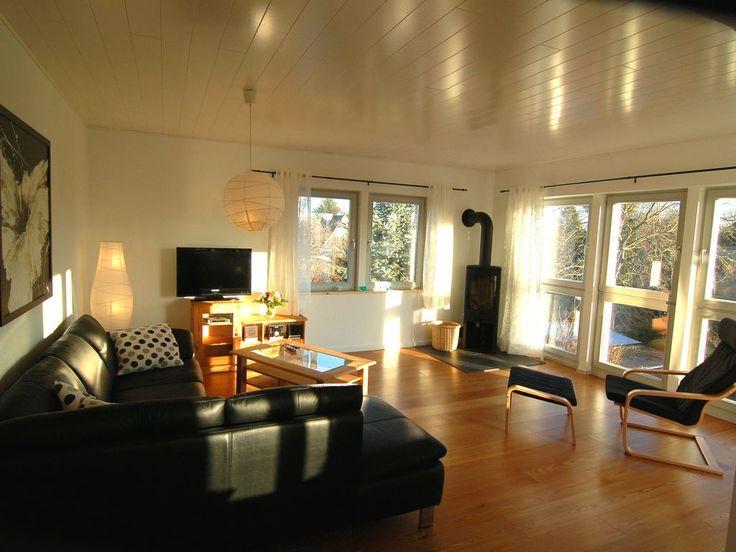 Citynah Wedel Altona Ottensen in Wedel: 2 Schlafzimmer, für bis zu 4 Personen. Neues Luxus-Apartment Blick zur Elbe / Jugendstil-Apartment mit Stuck   FeWo-direkt